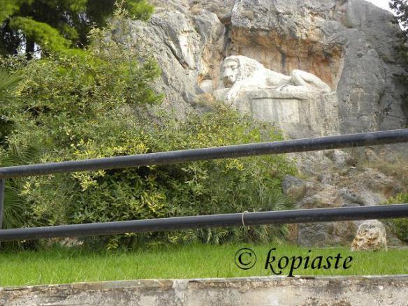 Bavarian lion-sleeping